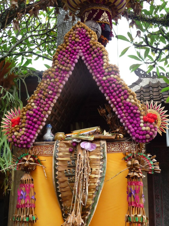 celebrating kuningan in bali